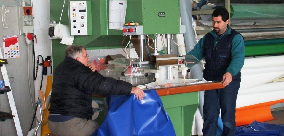 Teloni in pvc coperture mobili porte rapide riparazioni for Teli pvc per laghetti
