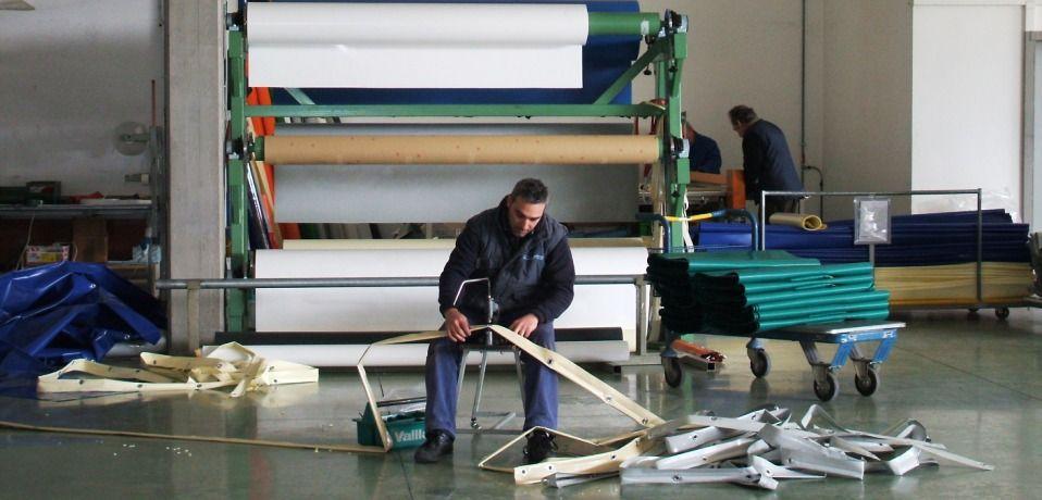 Teloni in pvc coperture mobili porte rapide riparazioni - Ganci per tende finestre pvc ...